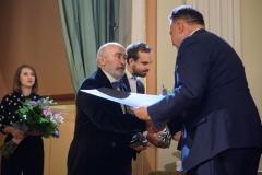 25. Jan Kucz odbiera nagrodę w kategorii Sztuki plastyczne