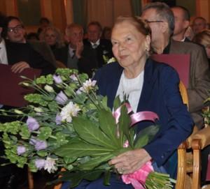 """Laureatka Nagrody """"Dzielo zycia"""" 2013 Julia Hartwig"""